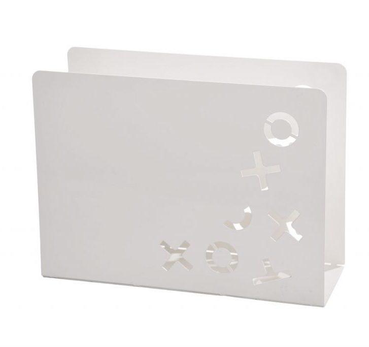 Idealno za spremanje Vaših omiljenih novina, časopisa, kataloga i sl. Moderano dizajniran, ovaj metalni stalak može se uklopiti u svaki interijer. Opis: - Plastificirani metal - Boje metala: bijela, crna Dimenzije: DxŠxV 30cm x 9cm x 22 cm